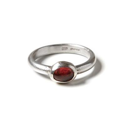 garnet_ring