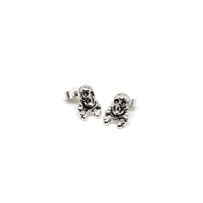 Skull-&-Crossbone-Studs
